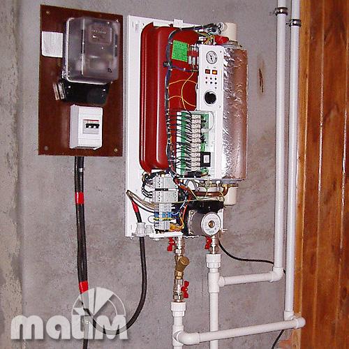 """Электрокотел Protherm  """"Skat """", водонагреватели накопительные Ariston."""